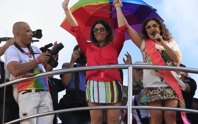 Daniela Mercury afirma o quão divertido é ser gay