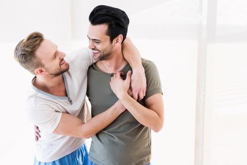O meu amigo é homossexual. Que perguntas estão proibidas?
