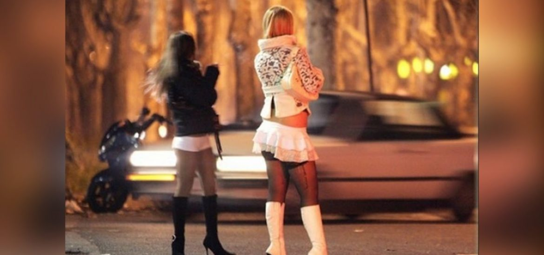 Prostitutas na Rua nos EUA por causa da censura na Internet